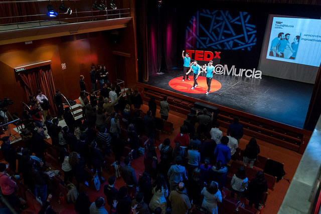 congresos clausura TEDx conferencia improvivencia improvisacion